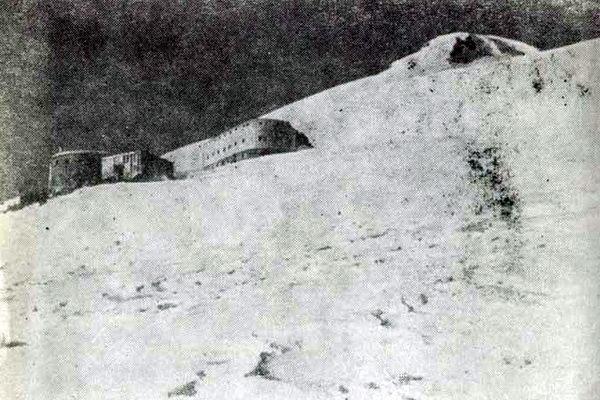 Гостиница «Приют одиннадцати» и дизельная построены! Ноябрь 1938 года