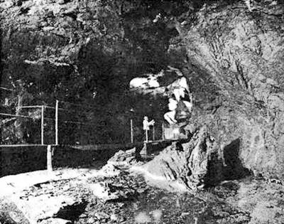 "Червона печера та її основна ""родзинка"" - підземна річка"