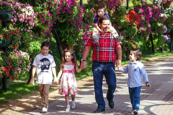 Исмагил Калямович с детьми