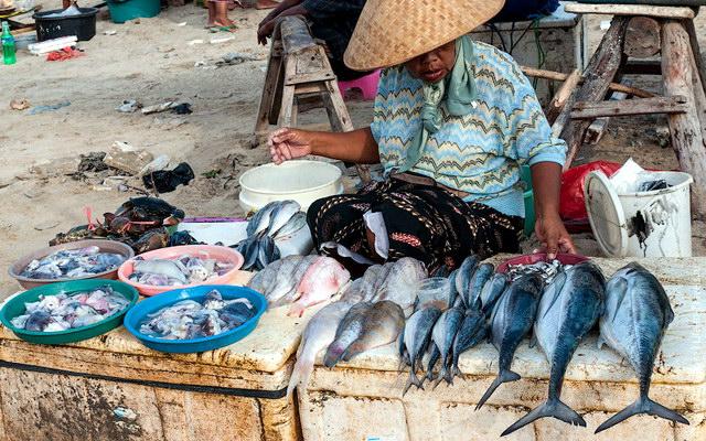 рыбный рынок неподалеку пляжа Джимбаран
