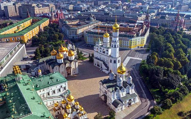 Соборная площадь в Москве