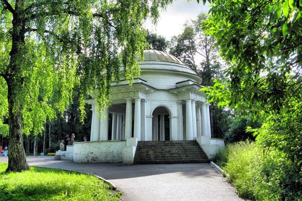 Ротонда Александровского сада