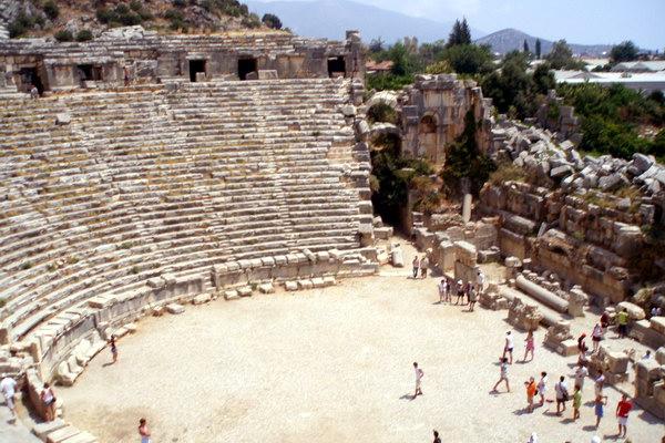 древний греко-римский амфитеатр