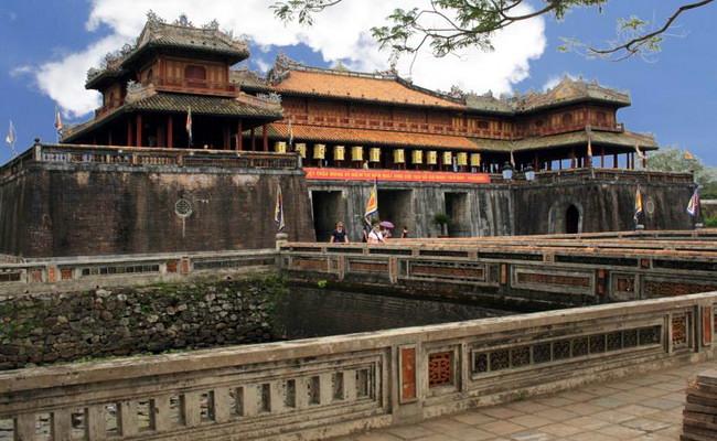 дворец в Хюэ