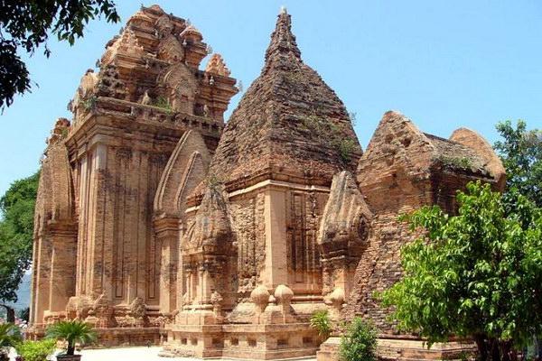 Храмовый комплекс Thap Ba Ponagar