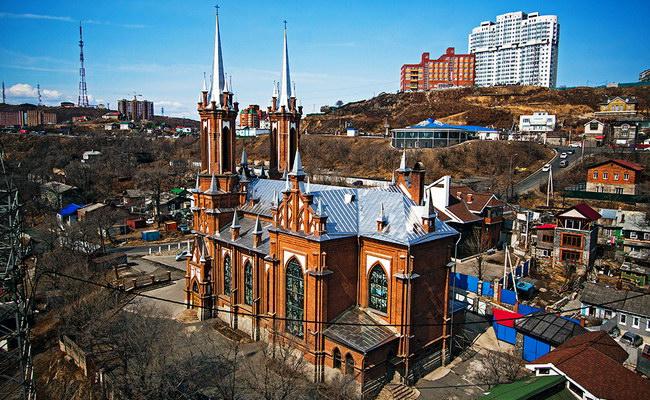 Католический костел во Владивостоке