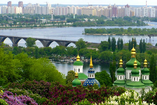 Панорама весеннего Киева