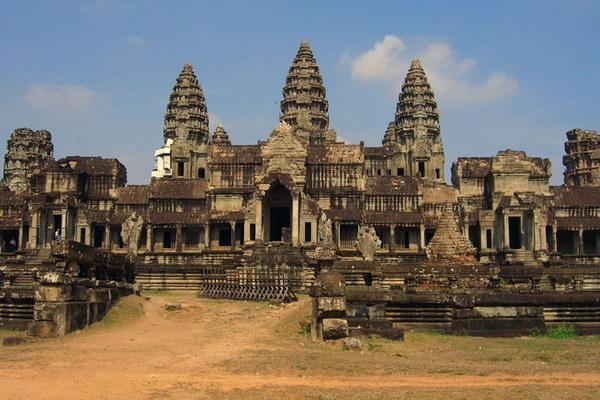 Храм Ангкор-Ват - самая большая культовая постройка в мире