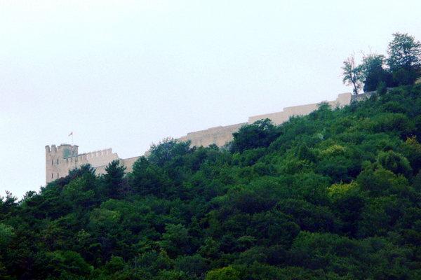 Замок на горе у г. Шумена