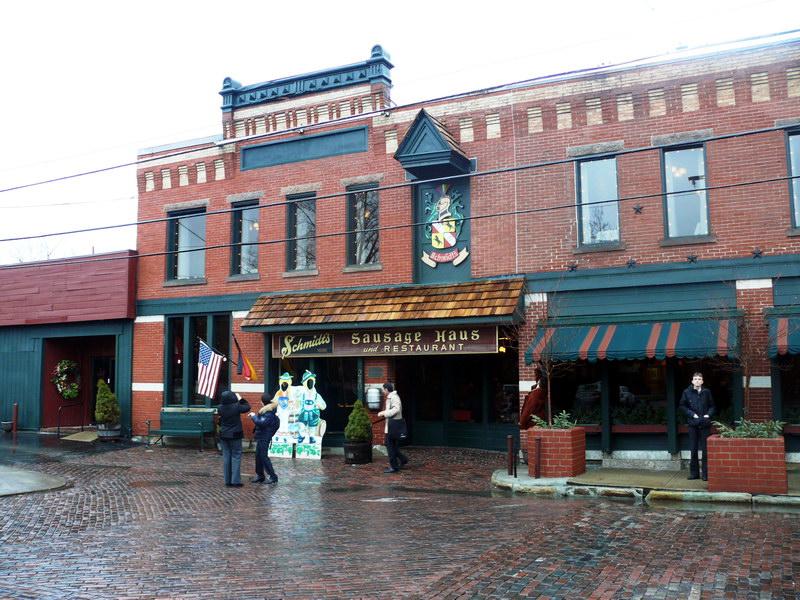 Ресторан в историческом здании (Коламбус, район «Немецкая деревня»)