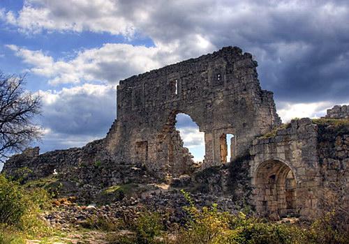 Стена и ворота цитадели