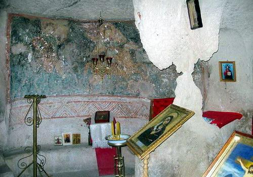 Трехлепестковый храм у Южных ворот