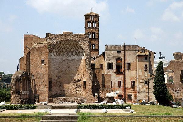 Храм Венеры и Ромы