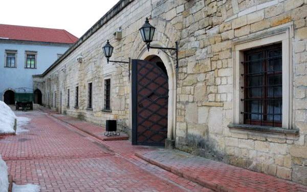 двор Збаражского замка