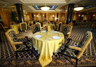 ресторан в отеле «Донбасс-Палас»