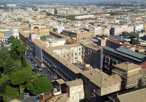 Вид на музеи Ватикана