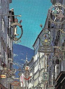 Типичная для Зальцбурга улочка в Старом городе