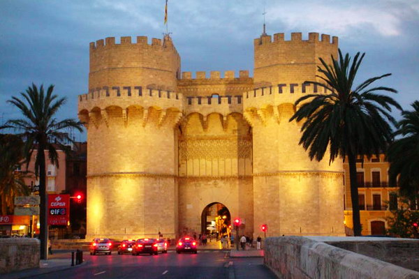 Северные городские ворота Торрес де Серрано