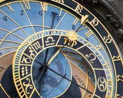 Куранты на Староместской площади показывают не только время, но и лунный цикл с расположением планет