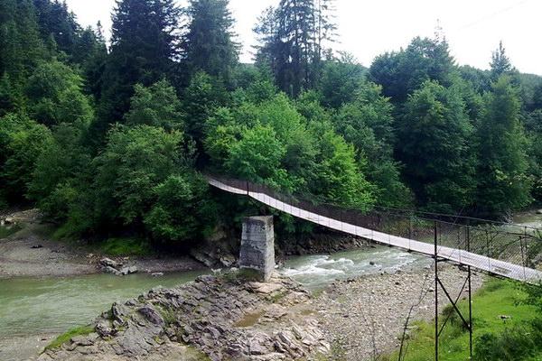 подвесной мост в селе Пистынь