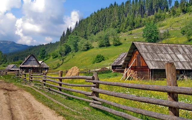 Одним із перспективних видів діяльності в сільській місцевості може бути туризм