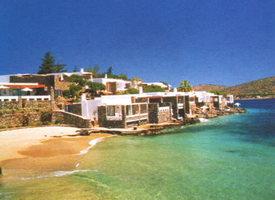 """На березі бухти Мірабелло - славнозвісний готель """"Elounda Beach"""" ***** de luxe"""