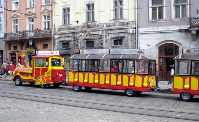 екскурсійний «чудо-поїзд» у Львові