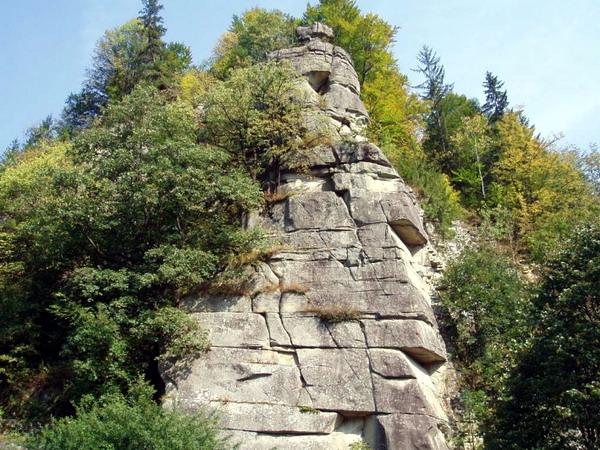 Скелі «Кам'яна багачка»
