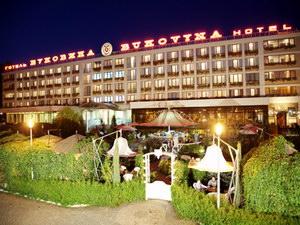 готельно-туристичний комплекс Буковина