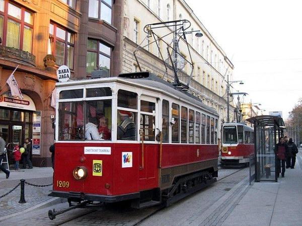 старовинний трамвай у Вроцлаві