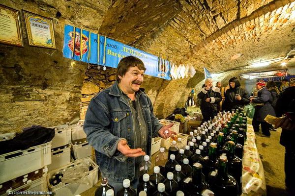 Гастрономічний фестиваль вина та меду Сонячний напій
