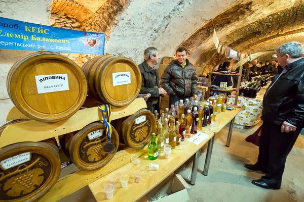 Гастрономічний фестиваль молодого вина Закарпатське Божоле