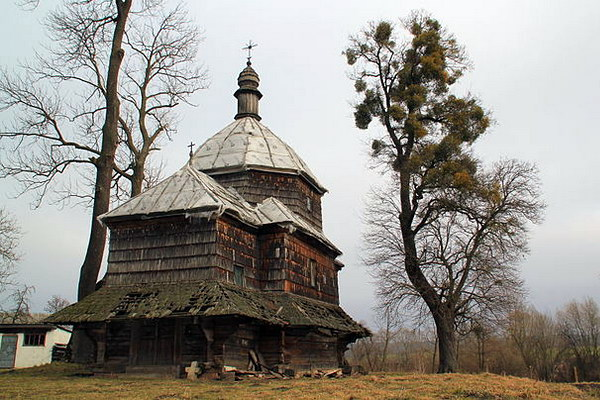 Храм святого Микити в с. Дернів