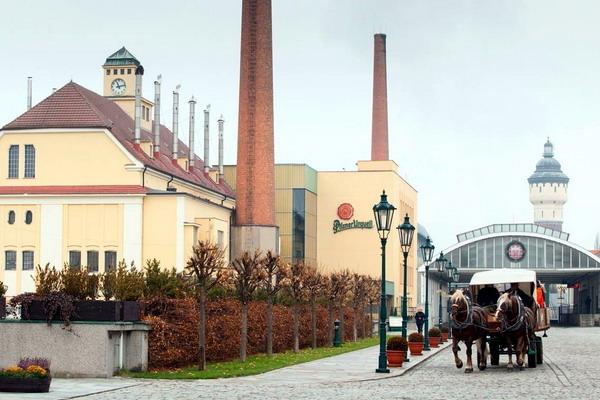у цій броварні в Пльзені виробляють пиво відомої марки Pilsner Urquell