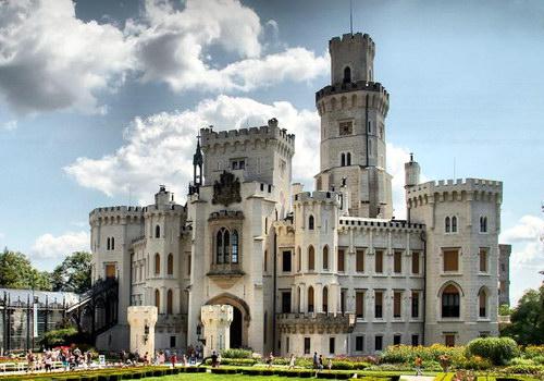 Замок Глубока-над-Влтавою