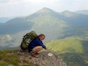 Марка на камені на Чорногорському хребті