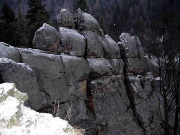 Морфологія скельної стіни Велике Крило як дидактичний об'єкт для ілюстрації процесу руйнування скель